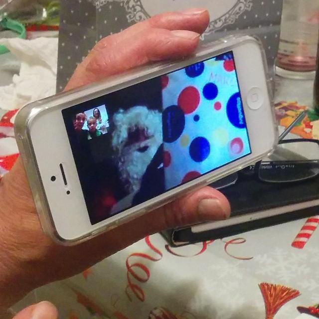 EXCLUSIVA A NIVEL MUNDIAL: PAPÁ NOEL ENTREGANDO REGALOS POR FACETIME #Navidad