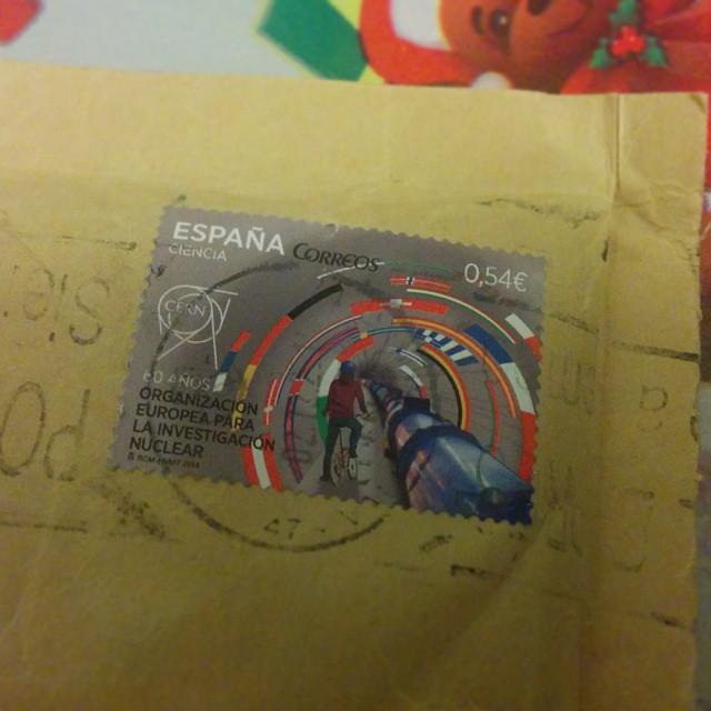 En nuestra casa, la ciencia llega hasta en los sellos :P