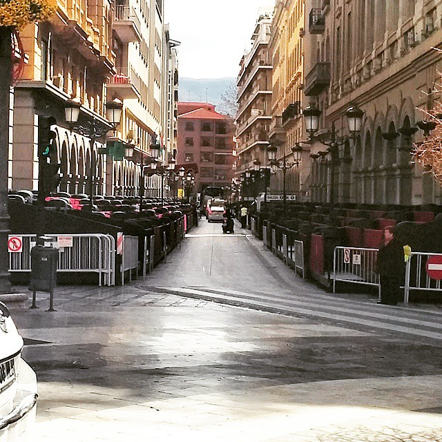 Calles preparadas #SemanaSantaGranadina #Granada