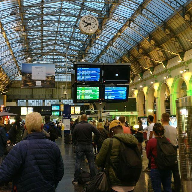 """Última espera para llegar a mi destino en la """"Gare de l'Est"""""""