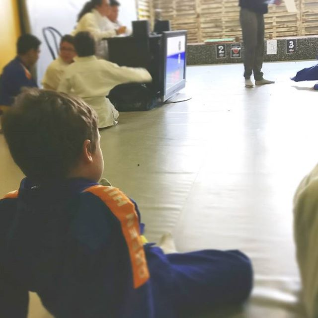 Concentración + motivación + aplicación de lo aprendido = campeón en su categoría. #judo