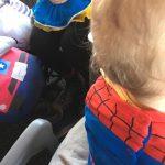 Comparto mesa con…¡Blancanieves y Spiderman! #carnaval #disfraces #estonoesunpuenteesunacueducto